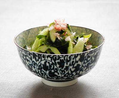 Wakame okurkový salát